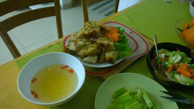 Hapan tulinen vietnamilainen salatti 2