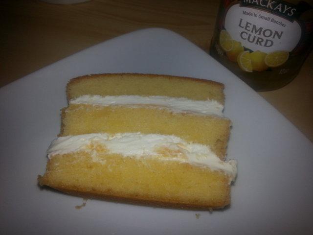Sitruskakku/leivonnainen 5