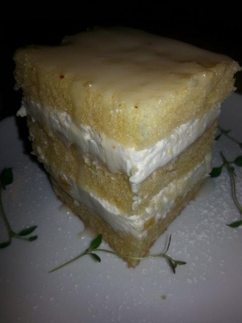 Sitruskakku/leivonnainen 3