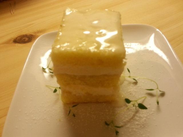 Sitruskakku/leivonnainen 2