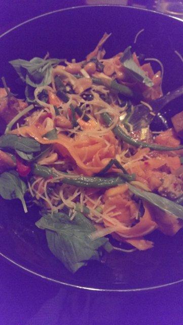 Thaimaalainen papaijasalaatti 1