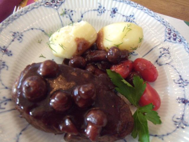 Chateaubriand/ herkkusieni-punaviinikastike 30.4.2015