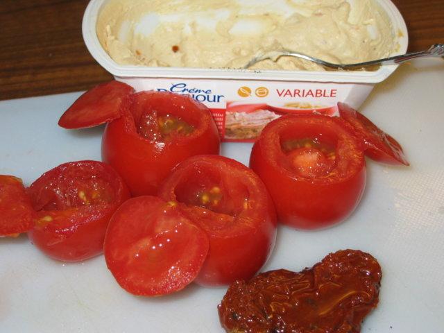 Täytetty tomatti (tosi juustoinen ja tomattinen) 4