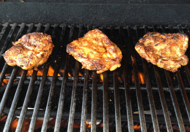 Broilerinkoipia grillissä (paistipihvi)