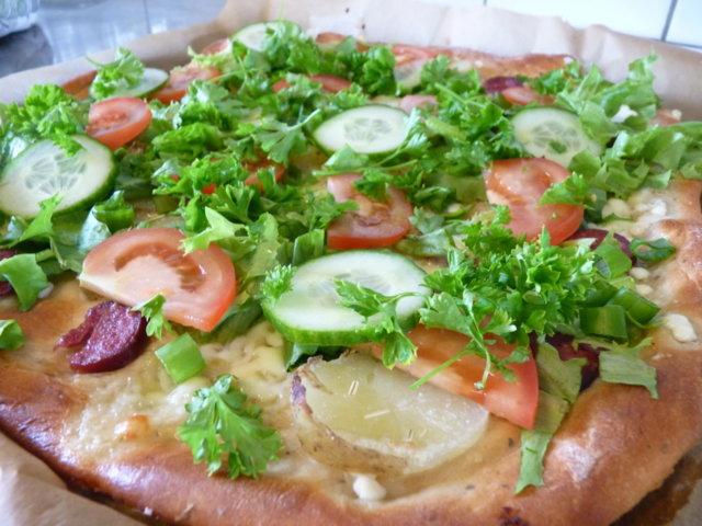 Kesäinen salaattipizza 1