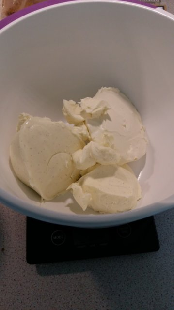 Lemon curd -juustokakku