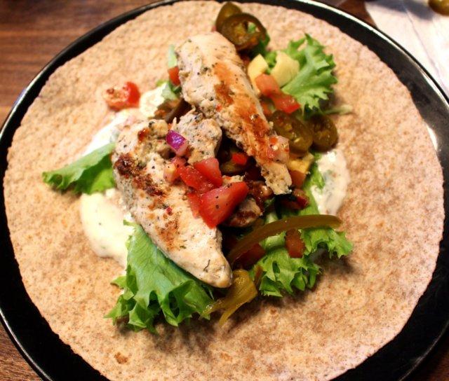 Reseptikuva: Kana-Jogurtti Tortillat Tulisella Bruschetta Täytteellä 1