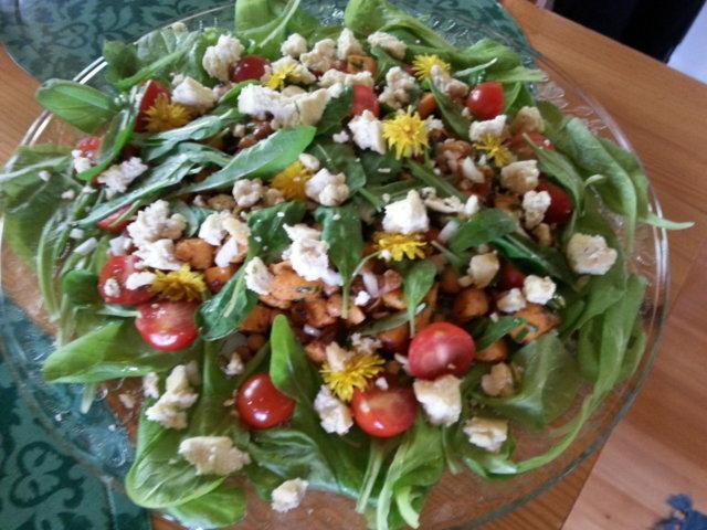 Ruokaisa bataattisalaatti 1