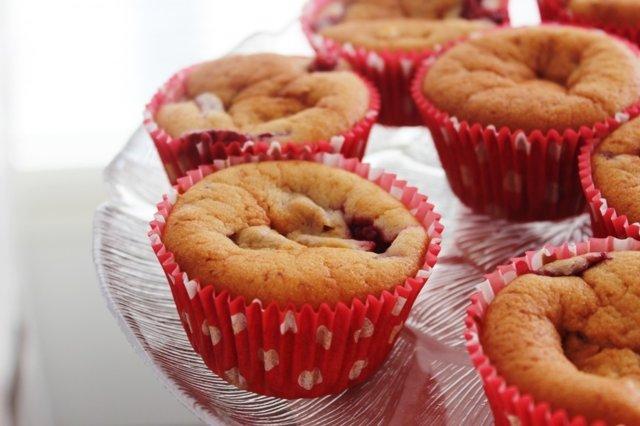 Sitruunaiset Mansikka-Valkosuklaa Muffinssit.