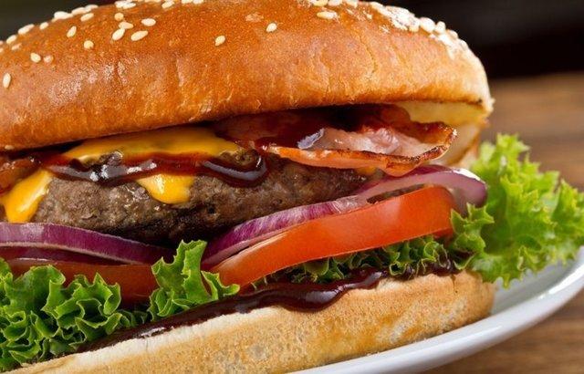 Bbq-Pekoni Burgerit. 1