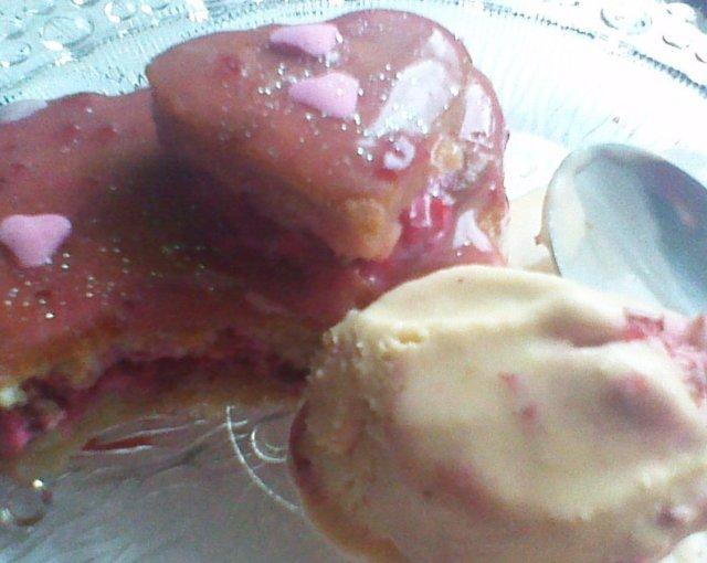 Reseptikuva: sydän leivoksia ja sydän pullaa14.2.2016 9
