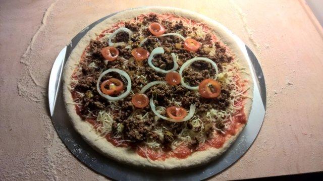 Aito Pizzapohja (+kastike ohje)