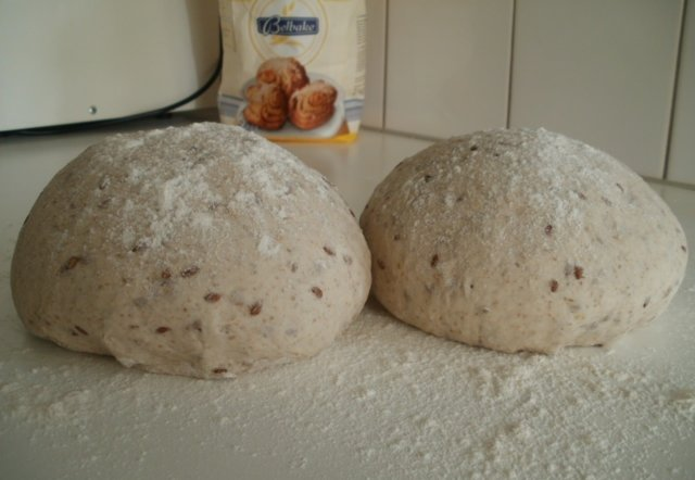 Pellavansiemenleipä 1