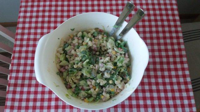 Sankareiden salaatti 1