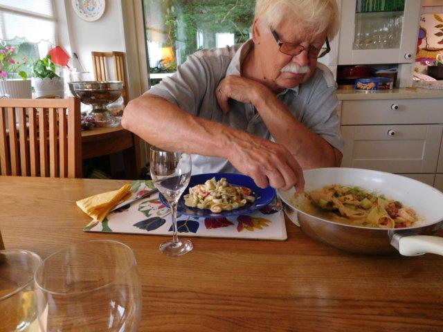 Kesäillan pasta rippeistä 2.7.2016