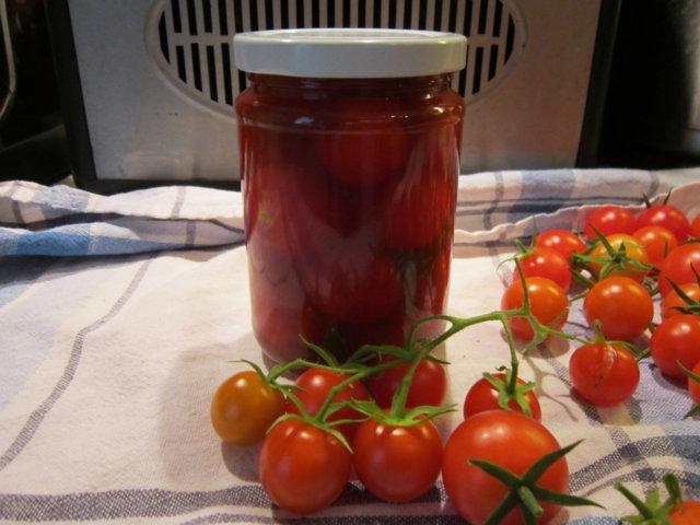 Säilötyt tomaatit 10.10.2016