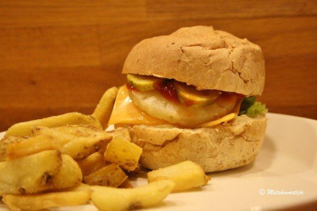 Haukiburger 1