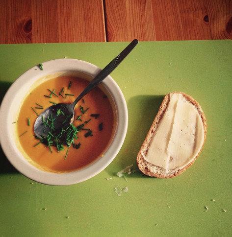 Porkkana bataattisosekeitto