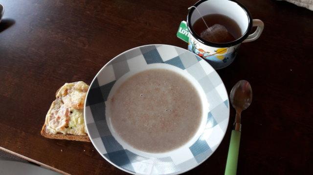 Ruispuuro ja aamiaisleivät