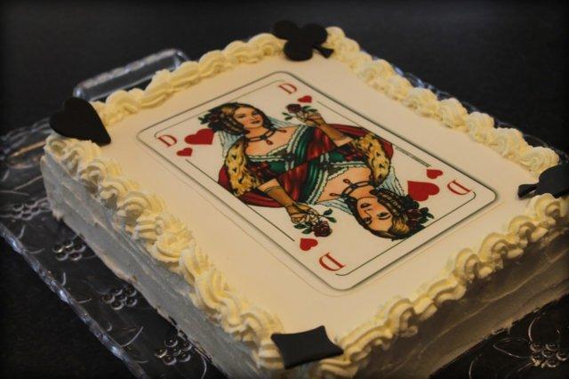 Pelikortti-kakku 1
