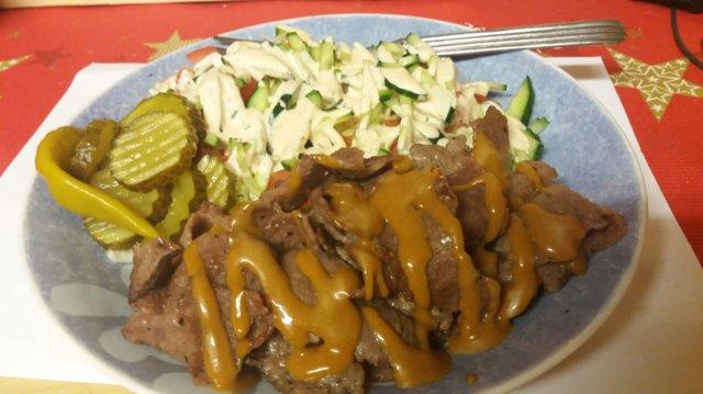Reseptikuva: kebab salaatilla 1