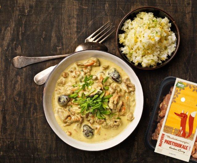 Kanaa kookos-currykastikkeessa ja sitrusriisiä