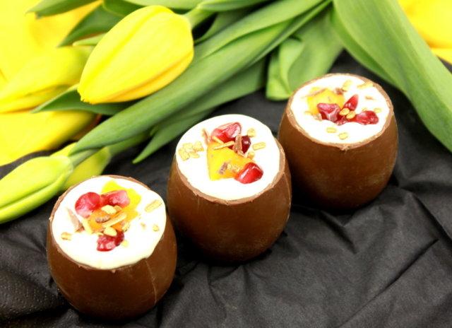 Reseptikuva: Töhnämunat vaniljarahkatäytteellä 1