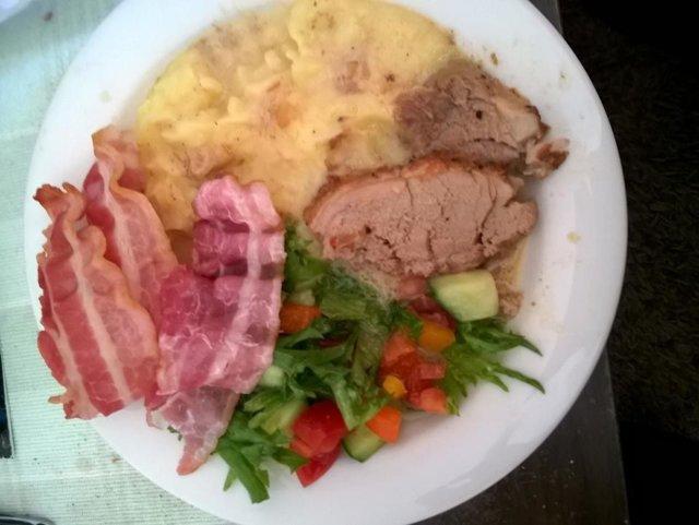 Lihaa ja Muusia + lisukkeet 1