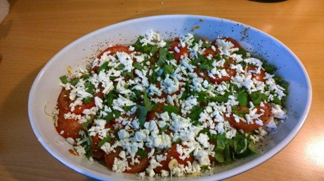 Kesäkurpitsa-tomaattivuoka 5