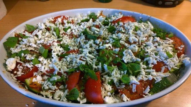 Kesäkurpitsa-tomaattivuoka 4