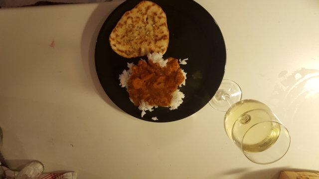 Reseptikuva: Butter chicken ja pikanaanleipä 1