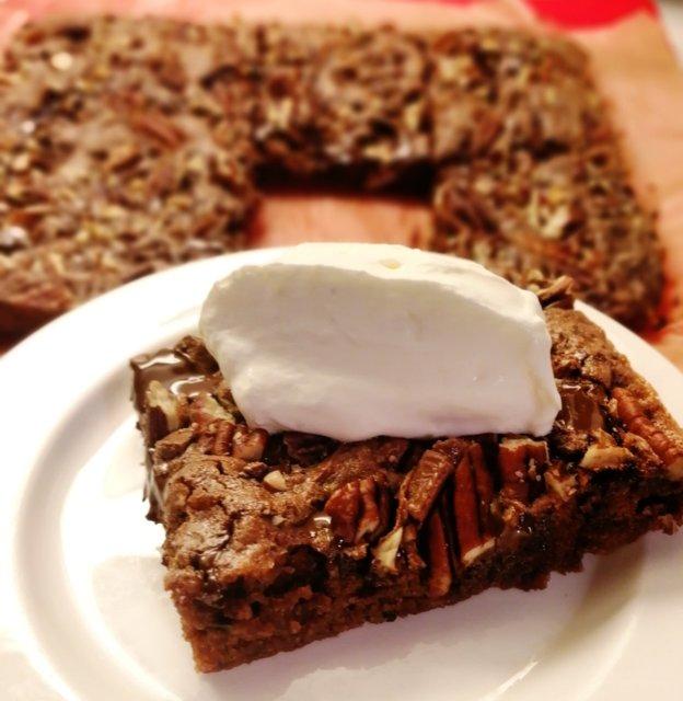 Suklaa-pekaanipähkinäkakku 1