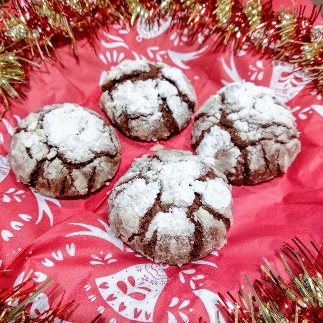 Suklaa Lumihuippu -keksit