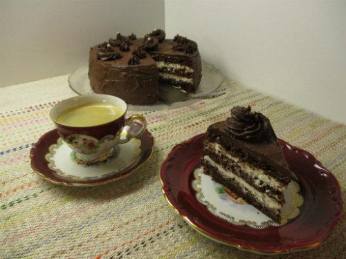 Suklaakakku rahkatäytteellä 1