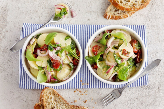 Reseptikuva: Villirucola-perunasalaatti 1
