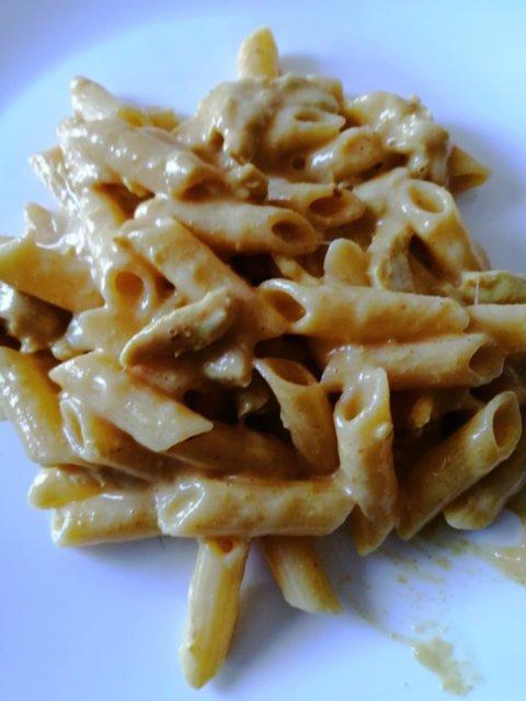 Broileri-Mozzarella pasta(gluteeniton) 1