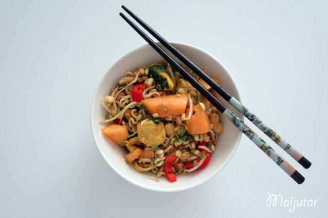 Reseptikuva: Thai kana-nuudelisalaatti 1
