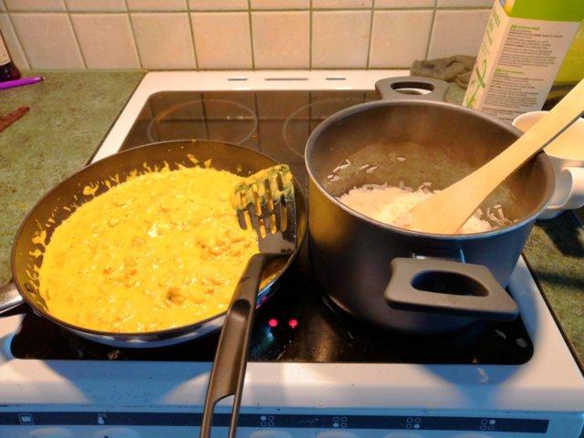 Maistuva curry-broilerikastike 1
