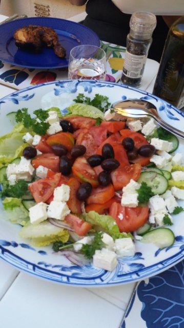 Kreikan salaatti meidän tapaan 6.7.2019 2