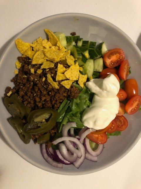 Reseptikuva: Värikäs texmex-salaatti 1