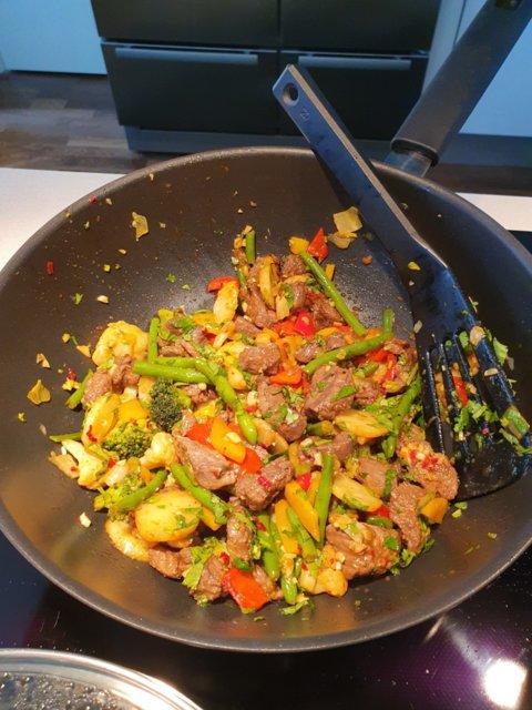 Thai-Bali wok kookosmaidolla 1