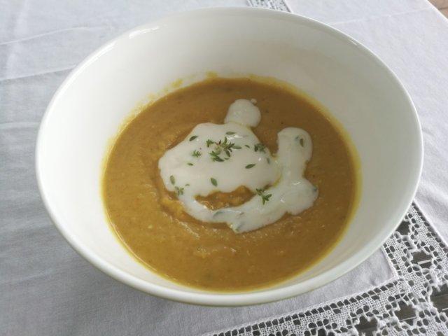 Reseptikuva: Mausteinen porkkanasosekeitto 1