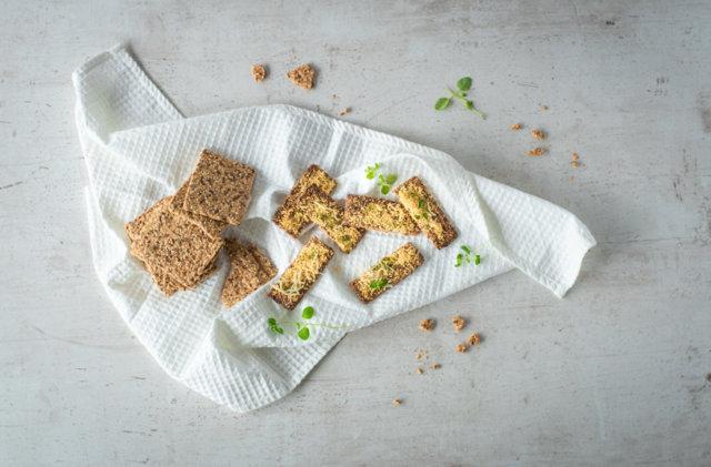 Reseptikuva: Juustoiset siemennäkkileipätikut 2