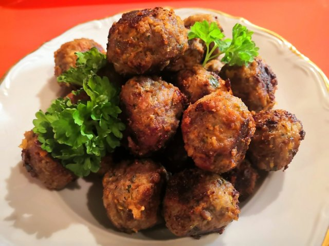 Reseptikuva: Hunajaiset Homejuusto-lihapullat 1