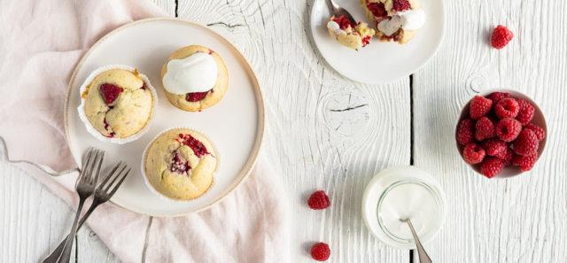 Reseptikuva: Kesäiset muffinit ja jogurttikastike 1