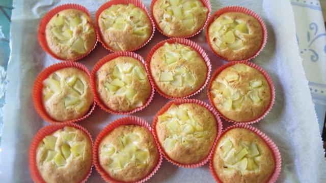 Reseptikuva: Omenaiset pikapullat 1