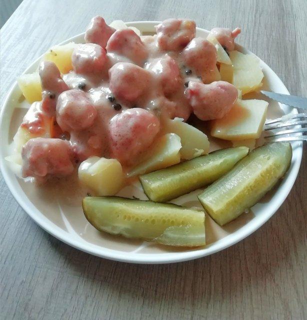 Reseptikuva: Paistetut siskonmakkarat kermaisessa pippurikastikkeessa 1