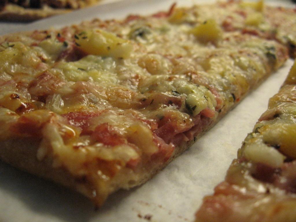Pizzapohja Kaksi Pellillistä