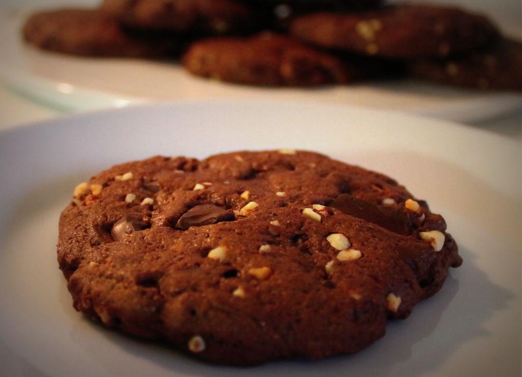 Chocolate hazelnut cookies - Kotikokki.net - reseptit