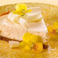 Rahkatäytteinen juustokakku